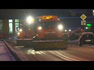 Снегопад осложнил ситуацию в аэропорту Внуково