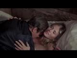 Человек с золотым пистолетом / сцена из фильма #3 / 3 (1974) HD