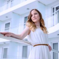 Алена Мирошниченко