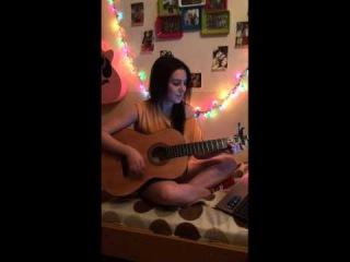 Девушка поёт песню под гитару ко дню матери cover Баста - Мама