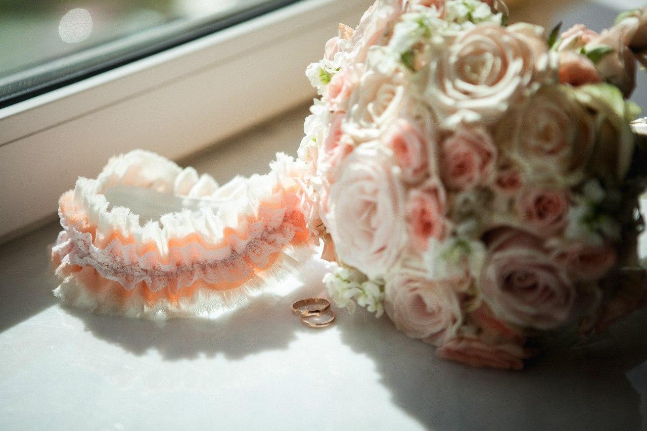 необычная подвязка невесты на заказ