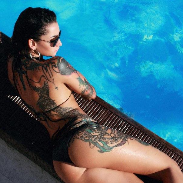 Angelica Anderson Peek Boos Bombshells Woman Painting Tatting Inked Xerotica 1