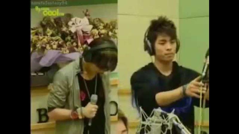 SHINee Onew/Jonghyun singing Tragedy (비극) live [ENG SUB]