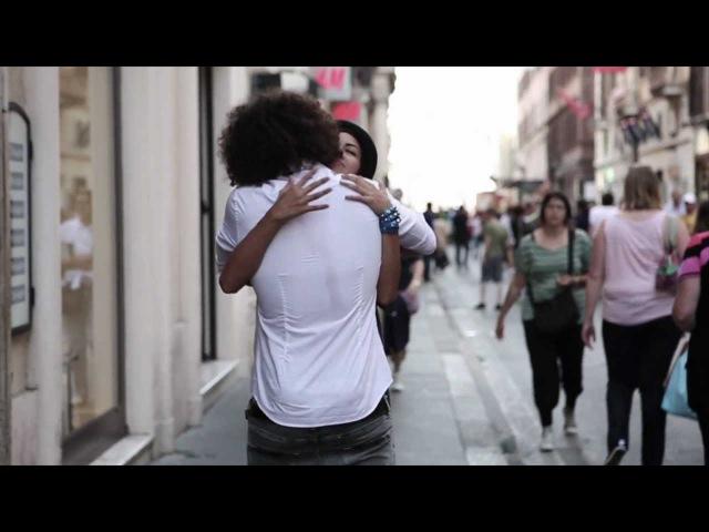 Sal Da Vinci e Ornella Vanoni - Senza Un Motivo - video ufficiale