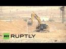 Египет: Армия роет 14-километровый ров вдоль границы с Газой.