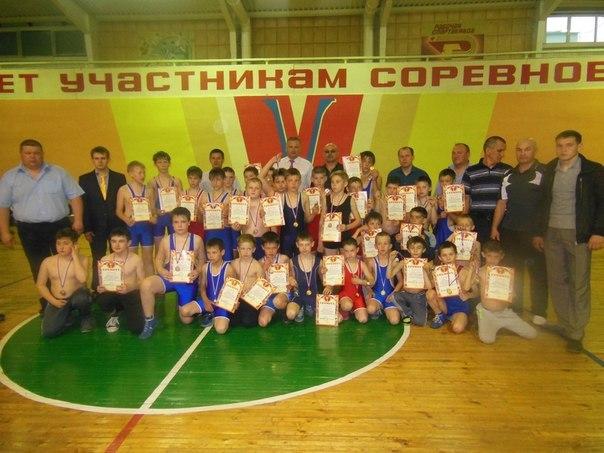 Бавлинец стал призером турнира по греко-римской борьбе в Заинске