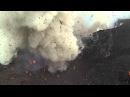 Извержение активнейшего вулкана островов Вануату засняли на камеру. Dji Phantom flies into Volcano.