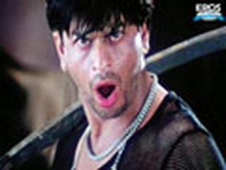 SRK mesmerized by Karismas act - Shakti
