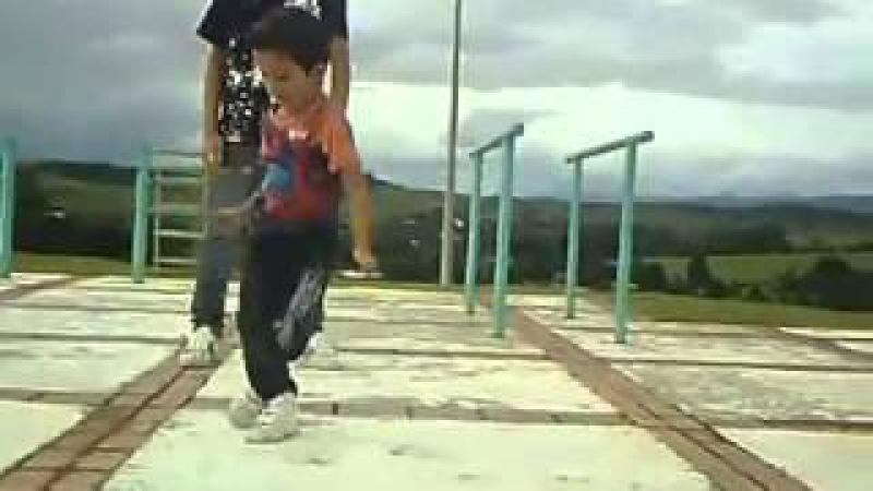 Dual Mix Dance Free Step Малыш танцует тектоник