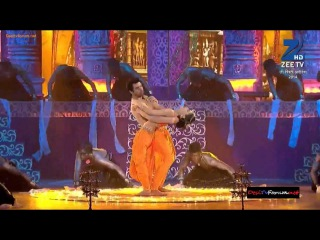 Sriti Jha/pragya hot navel performance at zee rishtey awards [HD]
