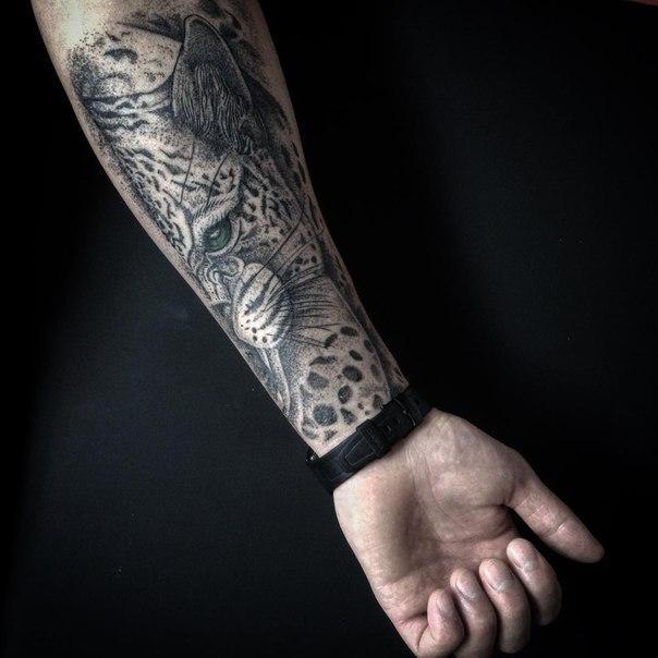 тату гепард на руке