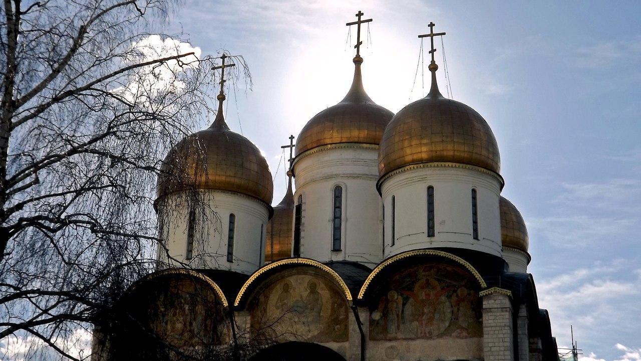 Восточный фасад Успенского собора. Источник фото: Н. Андреев, 2014.