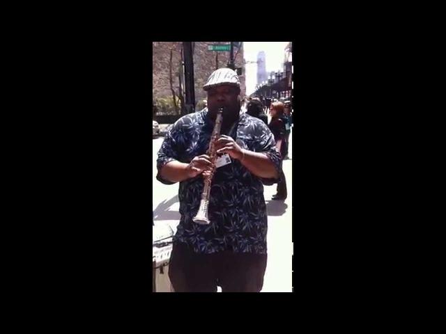 Brilliant Jazz Clarinet Improv Solo in Downtown Chicago