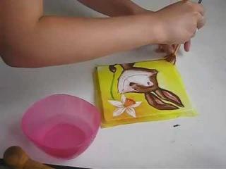 Декупаж для начинающих, как нанести салфетку без складок