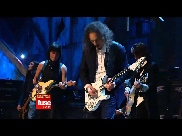 Jeff Beck, Jimmy Page and Flea with Metallica - Train Kept A Rollin 2009 HQ