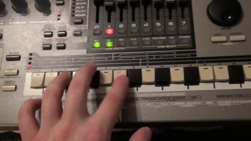 Roland - MC 505