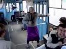 Бабка как Фреди Меркури в автобусе!!! Прикол 2013!