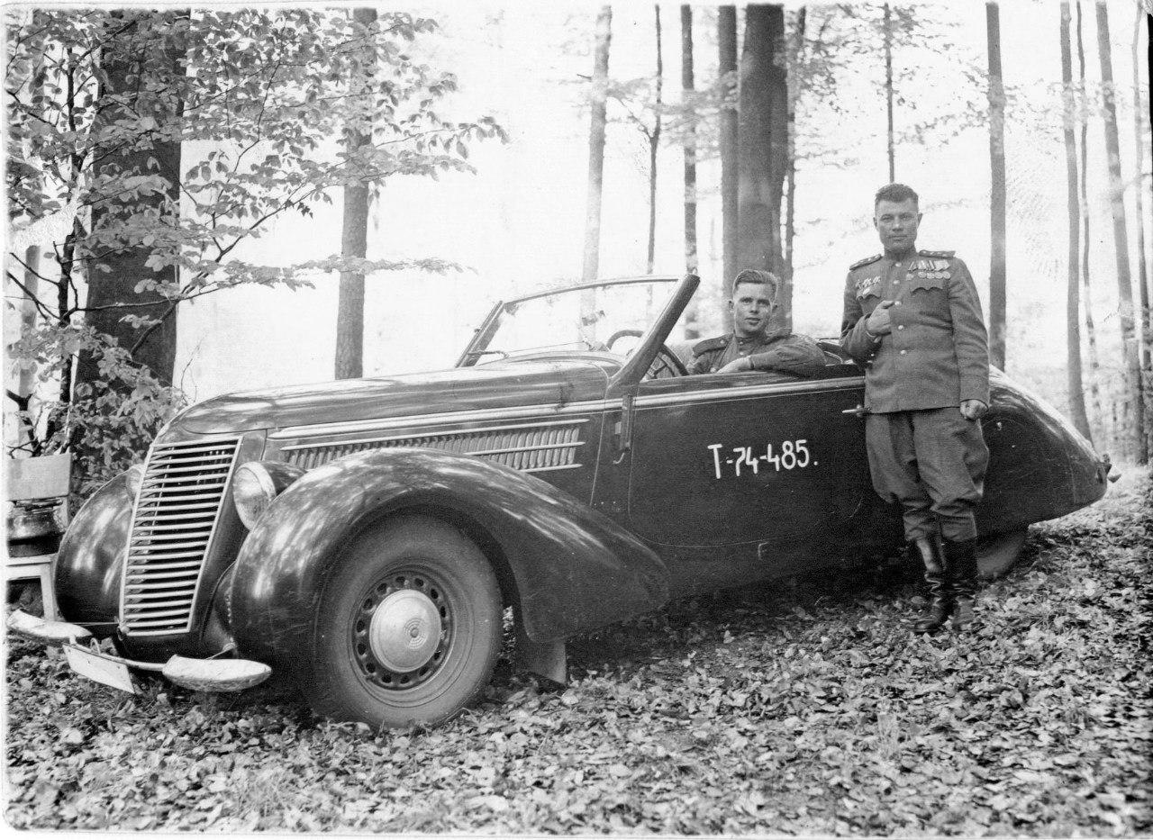 Трофейная машина «Штеер» командира 88-го отдельного гвардейского тяжёлого танкового полка П.Г. Мжачих. Берлин, 15 мая 1945 года.