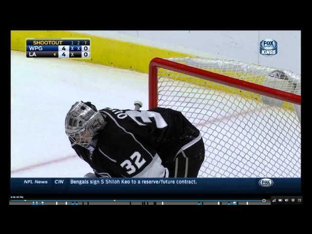 Jonathan Quick unbelievable save in the shootout against Mathieu Perreault! 1/10/15