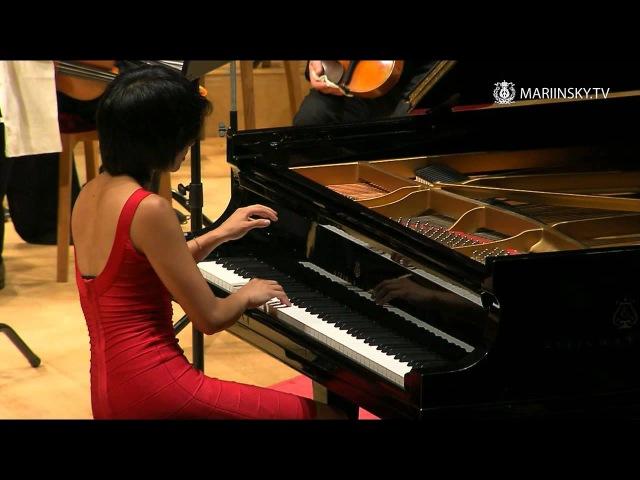 Yuja Wang plays Bizet/Horowitz Carmen Variations. Can she be my teacher?