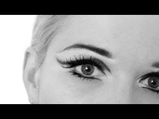 Blondes: Iconic Makeup - Edie Sedgwick 60s look