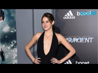 Shailene Woodley Opts for Bare Feet After the Insurgent Premiere