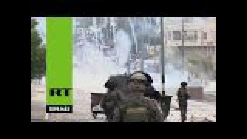 Cientos de palestinos se enfrentan con las fuerzas israelíes