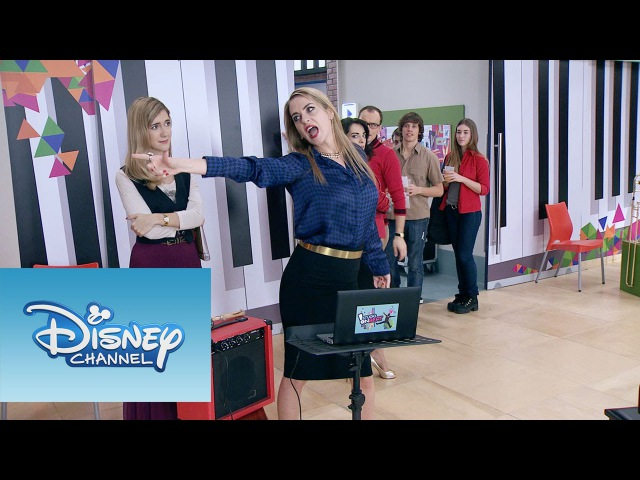 Priscila, Angie y Jade cantan Destinada a brillar   Momento Musical   Violetta