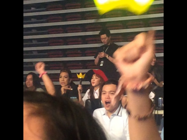 """Margareth Prane on Instagram: """"Here's a video of Sandy with Vice Ganda 💓 she's really pretty in person! VIP TEAMROYALTY BBMADEINMANILA BIGBANG"""""""