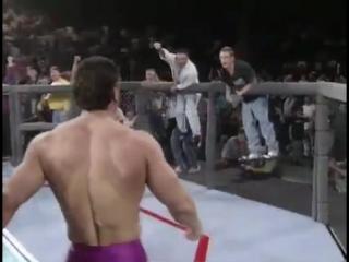 20 лет назад, Кен Шемрок вынудив сдаться Дэна Северна, становится 1-м чемпионом UFC по итогам супербоя.