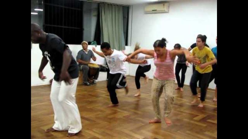 Treinamento Corporal: Danças Afro-Brasileiras