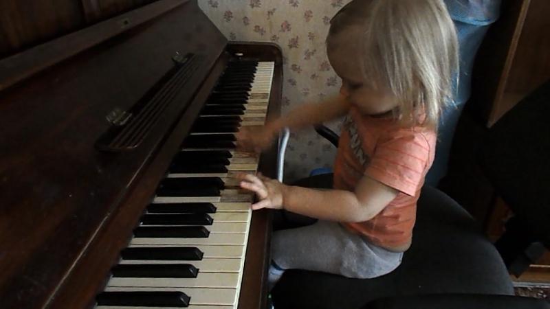 Junaja pianistka