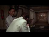 Человек с золотым пистолетом / сцена из фильма #1 / 3 (1974) HD