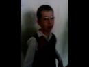 мальчик поёт песни винкс!!