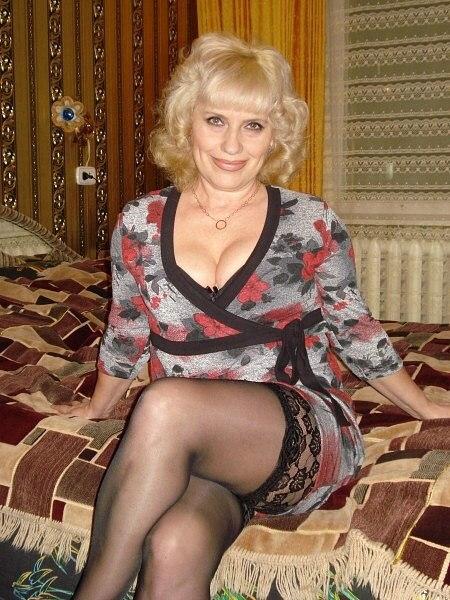 Женщины в возрасте для интима в москве что