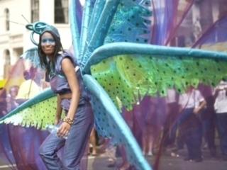 Афро-карибский карнавал в Ноттинг-Хилле Девушка-С-Карибских-Островов