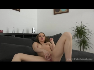 Русские девушки: Olivia - Cute blonde amateur milks cock dry in casting (2015) HD