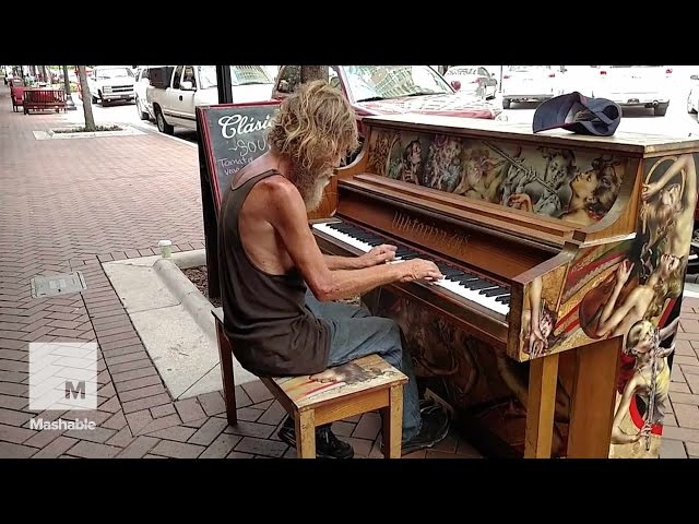 Homeless Man Plays Street Piano Beautifully in Florida (Come Sail Away) | Mashable News