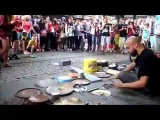 Фантастический уличный барабанщик - Fantastic Street Techno Drummer
