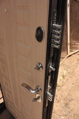 поставить металлическую дверь в волоколамске