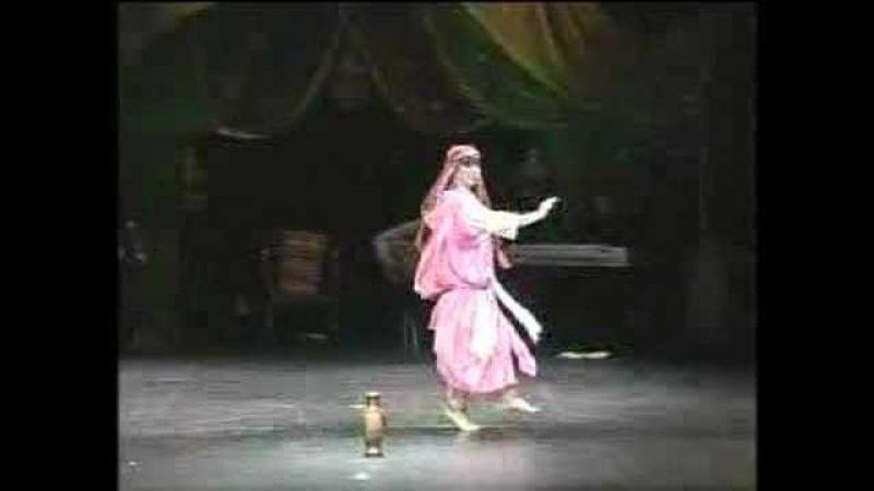 Zahra Zuhair Classical Tunisian