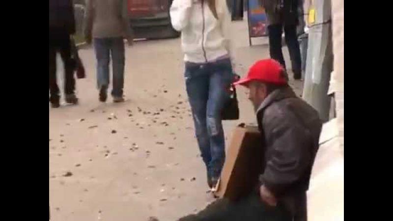 Флешмоб бомж россия Петрозаводск