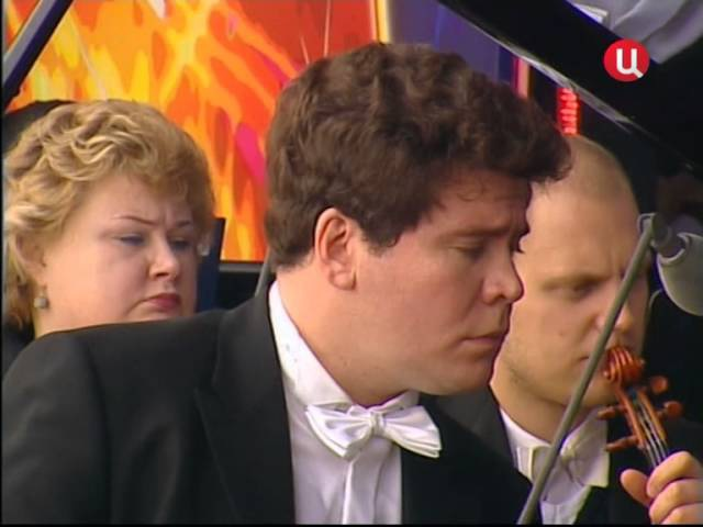 Концерт №2 для фортепиано с оркестром (Композитор С. В. Рахманинов). Пианист Денис Мацуев и дирижер оркестра Валерий Гергиев.