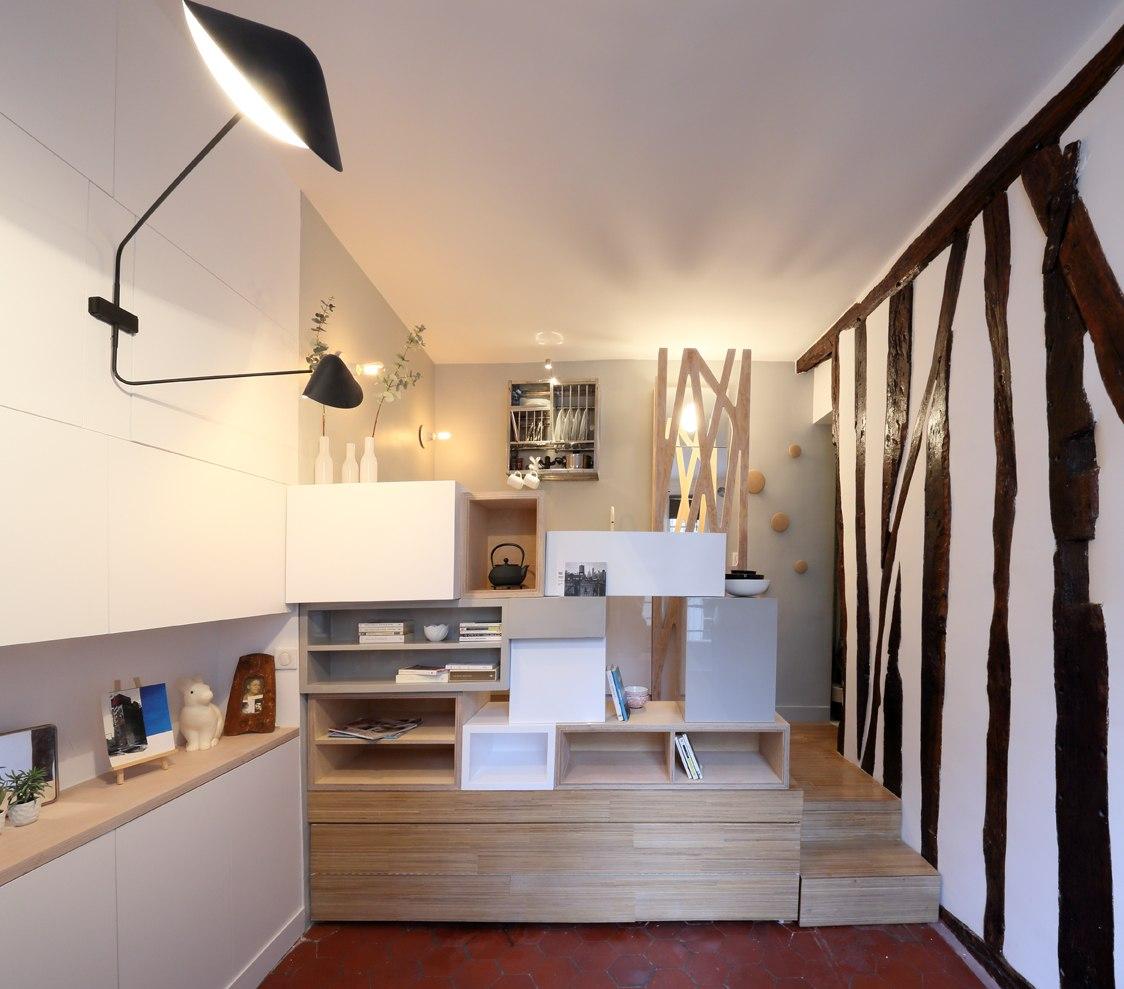 Еще один проект с кроватью в подиуме.