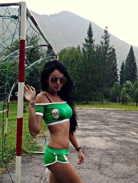 Карпаты, Украина, футбол