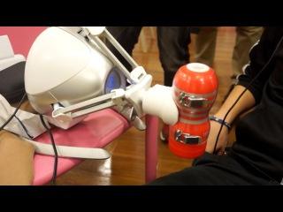 Oculus Rift Virtual Sex Demo Offers Real Robot Handy-Jays