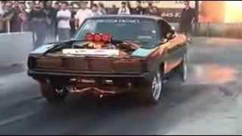 Додж чарджер 1970 классный автомобиль