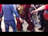 AVP present - Romics 2015 Hulkbuster part 1
