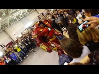 AVP present - Romics 2015 Hulkbuster part 3