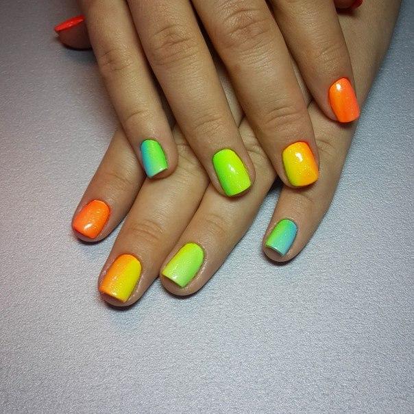 Дизайн ногтей пигментом